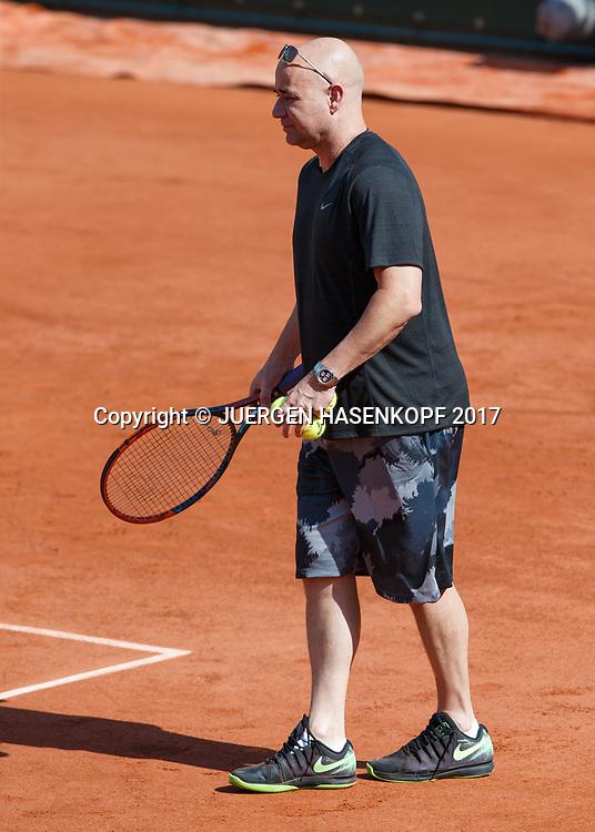 NOVAK DJOKOVIC (SRB), Training mit Coach Andre Agassi<br /> <br /> Tennis - French Open 2017 - Grand Slam ATP / WTA -  Roland Garros - Paris -  - France  - 29 May 2017.