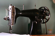 Vitoriano Veloso_MG, Brasil...Detalhe de uma maquina de costura antiga no distrito de Vitoriano Veloso (Bichinho)...Detail of a ancient sewing machine in Vitoriano Veloso (Bichinho)...Foto: LEO DRUMOND / NITRO