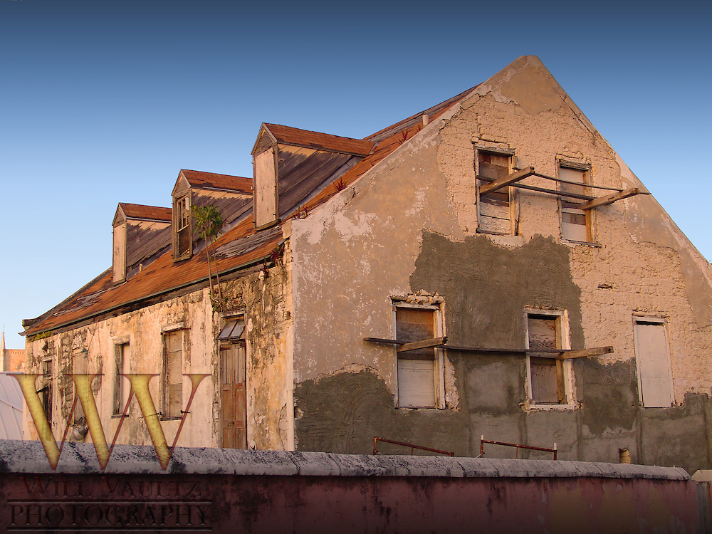 Empty crumbling dilapidated house.