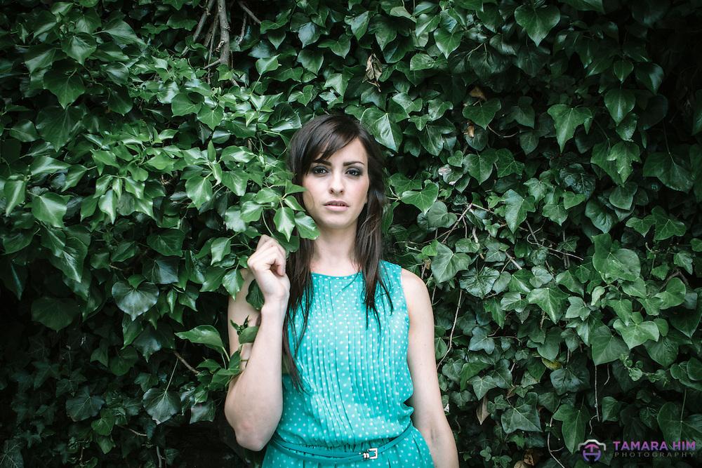 A  portrait  taken in Dublin with the Spanish actress Carmen Montero. ©Tamara Him.