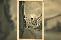 Zagreb : Crkva sv. Marka. <br /> <br /> ImpresumZagreb : S. n., [19--?].<br /> Materijalni opis1 razglednica : tisak ; 13,9 x 9 cm.<br /> Vrstavizualna građa • razglednice<br /> ZbirkaZbirka razglednica • Grafička zbirka NSK<br /> ProjektPozdrav iz Hrvatske • Pozdrav iz Zagreba<br /> Formatimage/jpeg<br /> PredmetZagreb –– Trg Svetog Marka<br /> Jezikhrvatski<br /> SignaturaRZG-MARK-5<br /> Obuhvat(vremenski)20. stoljeće<br /> NapomenaRazglednicaje putovala, godina je nečitka.<br /> PravaJavno dobro<br /> Identifikatori000952470<br /> NBN.HRNBN: urn:nbn:hr:238:711991 <br /> <br /> Izvor: Digitalne zbirke Nacionalne i sveučilišne knjižnice u Zagrebu