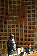 Festtale ved Lynge Jacobsen, dir. AAB. Aalborg Haandværkerforening, Laug, Aalborg Kommune m.m. uddeler legater i Byrådssalen.Foto: © Michael Bo Rasmussen / Baghuset. Dato: 15.05.12