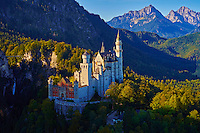 Allemagne, Bavière, Schwangau, château de Neuschwanstein construit entre 1869 et1886 dans le style romantique est l'oeuvre la plus connue du roi Louis II de Bavière // Germany, Bavaria (Bayern), Scwangau, Neuschwanstein Castle