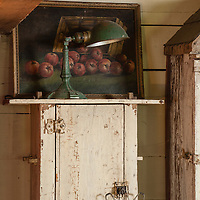 Rustic Cabin: Kitchen wall detail
