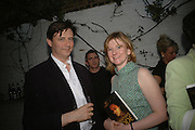 John Mickithwaite (needs spelling check)  and Frances Osborne, BOOK PARTY FOR TABATHA'S CODE BY MATTHEW D'ANCONA. Spectator. Doughty St. London. 11 May 2006. ONE TIME USE ONLY - DO NOT ARCHIVE  © Copyright Photograph by Dafydd Jones 66 Stockwell Park Rd. London SW9 0DA Tel 020 7733 0108 www.dafjones.com