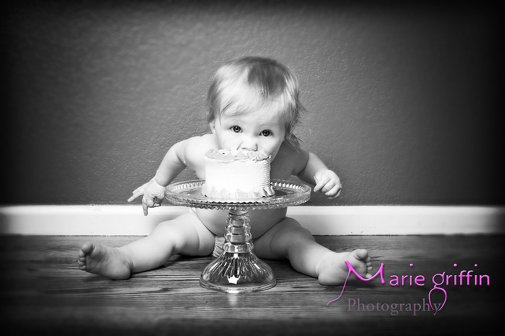 Zoey Runia one year old portrait session on July 21, 2012.<br /> By: Marie Griffin Dennis<br /> mariefgriffin@gmail.com<br /> mariegriffinphotography.com