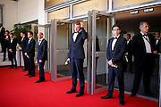 Sécurité a l'entrée du palais en haut des marches pendant le Festival de Cannes