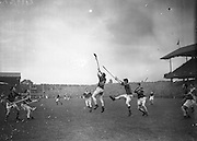 Neg No: A782/42803-04288...10081958AISHCSF.10.08.1958...All Ireland Senior Hurling Championship - Semi-Final..Tipperary.01-13.Kilkenny.01-08....
