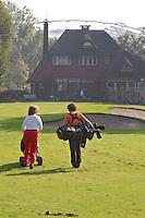 AMSTERDAM - Beoefening van de golfsport op de Amsterdam Old Course. FOTO KOEN SUYK