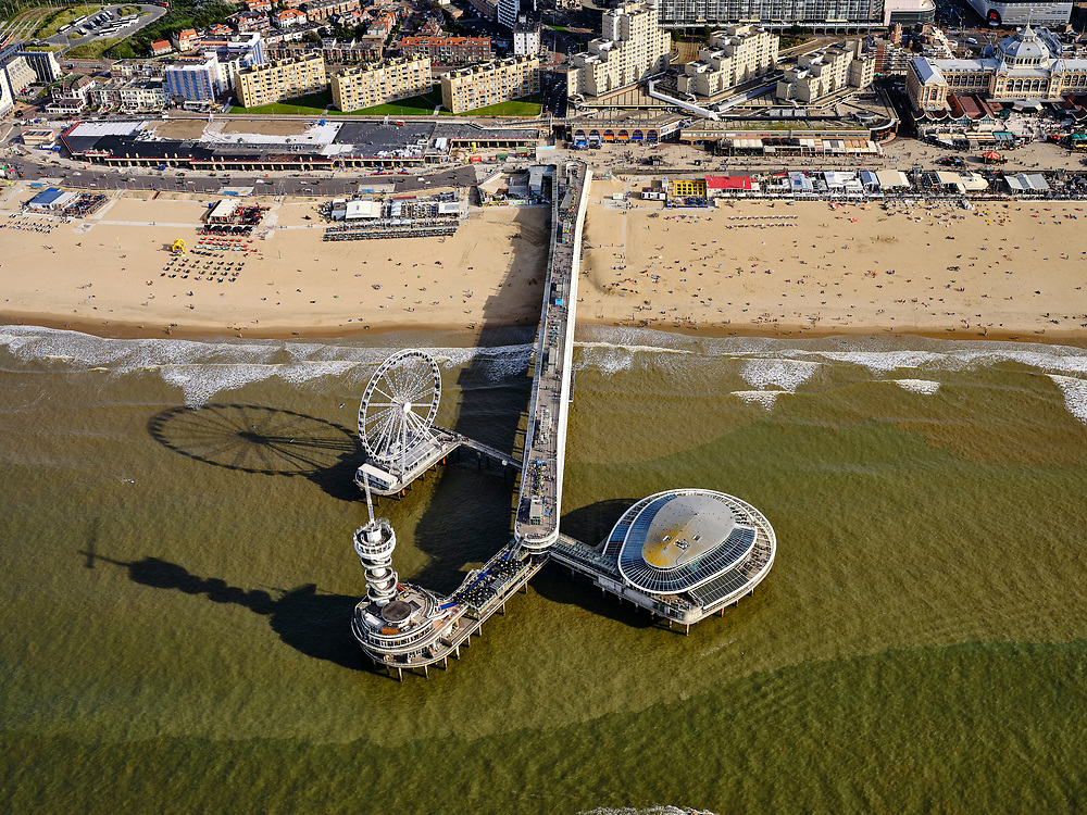 Nederland, Zuid-Holland, Den Haag, 14-09-2019; Scheveningen, strand en De Pier <br /> Scheveningen, beach and boulevard.<br /> <br /> luchtfoto (toeslag op standard tarieven);<br /> aerial photo (additional fee required);<br /> copyright foto/photo Siebe Swart