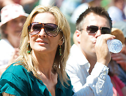 LONDON, ENGLAND - Wednesday, July 1, 2009: Television presenter Gabby Logan Yorath during the Gentlemen's Singles Quarterfinal on day nine of the Wimbledon Lawn Tennis Championships at the All England Lawn Tennis and Croquet Club. (Pic by David Rawcliffe/Propaganda)