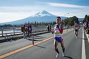 The fourth Mt. Fuji Marathon took place on November 29th (Sunday) at Fujikawaguchiko-machi, Yamanashi Prefecture. The snow-capped peak of Mt. Fuji comes in and out of view multiple times along the course. In addition to the mountain views, runners can also enjoy the beautiful autumn leaves around Kawaguchi-ko Lake and Sai-ko Lake. With its reputation as the world's most beautiful course, the marathon has experienced a burst of overseas participants.