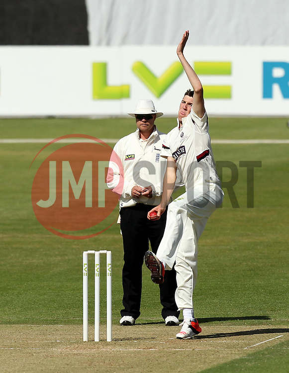 Somerset's Craig Overton bowls - Photo mandatory by-line: Robbie Stephenson/JMP - Mobile: 07966 386802 - 22/06/2015 - SPORT - Cricket - Southampton - The Ageas Bowl - Hampshire v Somerset - County Championship Division One
