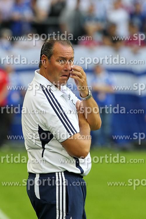 Football: Germany, 1. Bundesliga, Schalke 04.Trainer Huub Stevens.© pixathlon