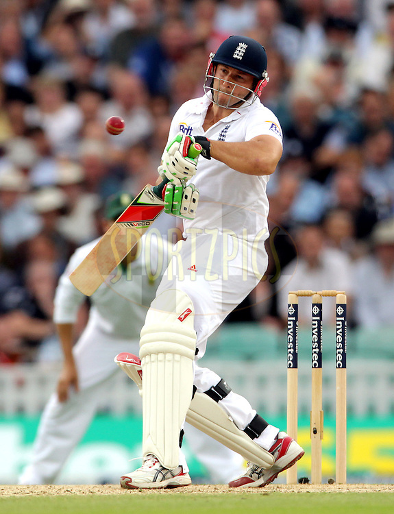 © Andrew Fosker / Seconds Left Images 2012 - England's Tim Bresnan sways away from a short ball  England v South Africa - 1st Investec Test Match -  Day 2 - The Oval  - London - 20/07/2012