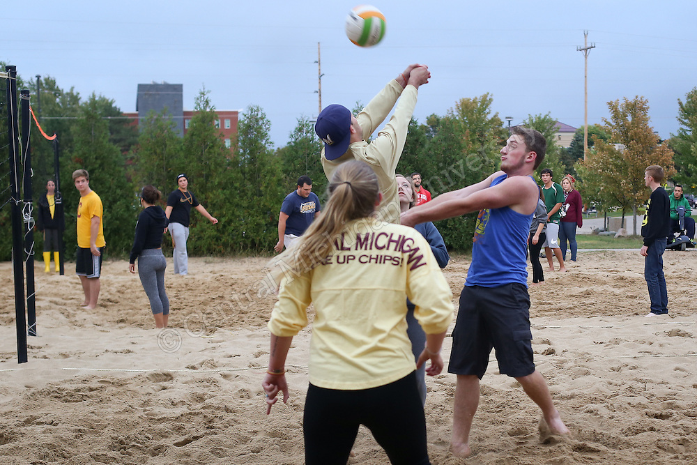 Central Michigan University's Beddow Hall had floor wars on the third week of school. On September 11, 2014, the challenge was a beach volleyball tournament. The terrace floor was the winner, second floor came in second place, then first floor and third floor.