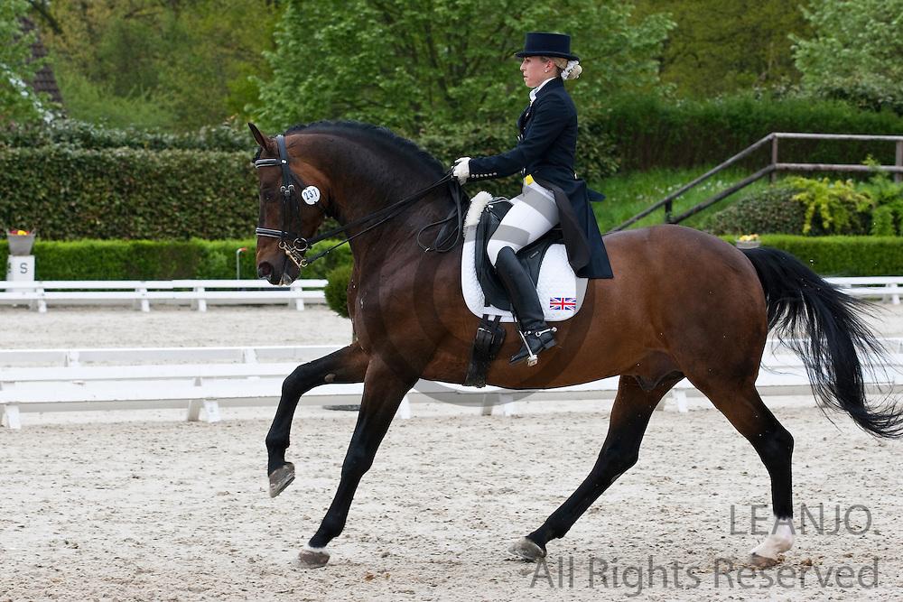 Amy Woodhead - Pardon<br /> CDIYJP Roosendaal 2012<br /> &copy; DigiShots