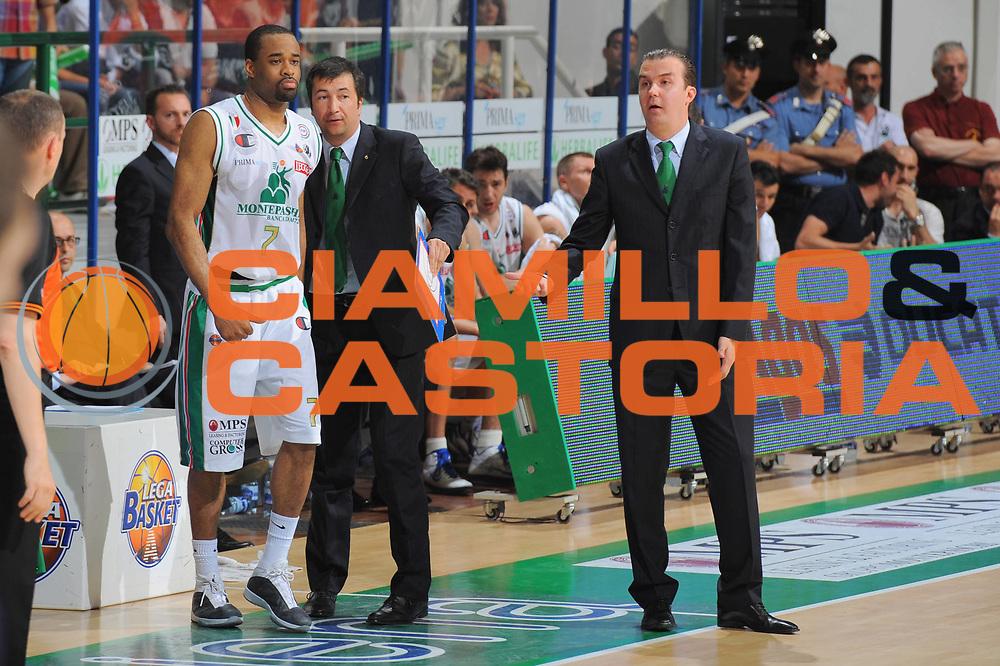 DESCRIZIONE : Siena Lega A 2010-11 Finale Play off Gara 1 Montepaschi Siena Bennet Cantu<br /> GIOCATORE : Simone Pianigiani<br /> CATEGORIA : coach ritratto<br /> SQUADRA : Montepaschi Siena<br /> EVENTO : Campionato Lega A 2010-2011<br /> GARA : Montepaschi Siena Bennet Cantu<br /> DATA : 11/06/2011<br /> SPORT : Pallacanestro<br /> AUTORE : Agenzia Ciamillo-Castoria/GiulioCiamillo<br /> Galleria : Lega Basket A 2010-2011<br /> Fotonotizia : Siena Lega A 2010-11 Finale Play off Gara 1 Montepaschi Siena Bennet Cantu<br /> Predefinita :