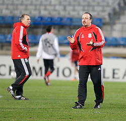 MARSEILLE, FRANCE - Monday, December 10, 2007: Liverpool's manager Rafael Benitez training at the Stade Velodrome ahead of the final UEFA Champions League Group A match against Olympique de Marseille. Liverpool must win to progress to the knock-out stage. (Photo by David Rawcliffe/Propaganda)