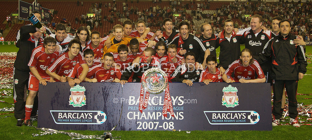 LIVERPOOL, ENGLAND - Wednesday, May 7, 2008: Liverpool's players and staff celebrate winning the play-off final of the FA Premier League Reserve League after beating Aston Villa 3-0 at Anfield. L-R: Manager Gary Ablett, Ray Putterill, Emiliano Insua, Daniel Sanchez Ayala, Ronald Huth, Francisco Duran, Nabil El Zhar, Mikel San Jose Dominguez, Craig Lindfield, goalkeeper Peter Gulacsi, Ryan Flynn, Krisztian Nemeth, Damien Plessis, Andras Simon, Jay Spearing, Jordy Brouwer, xxxx, Stephen Darby, xxxx, Fitness Coach Antonio Gomez, Daniel Pacheco, Doctor Mark Waller, xxxx, Lucas Levia, xxxx, xxxx, Reserve Coach and Head of Technical Analysis Angel Vales. (Photo by David Rawcliffe/Propaganda)