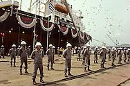 HYUNDAI shipyards workers at ULSAN. Launching of a Greek ship. Ouvriers du chantier naval HYUNDAI a ULSAN baptême d'un navire grec ///R27/10    L2575  /  R00027  /  P0003473