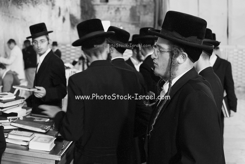 Israel, Jerusalem, Old City, Religious Jews at the wailing wall
