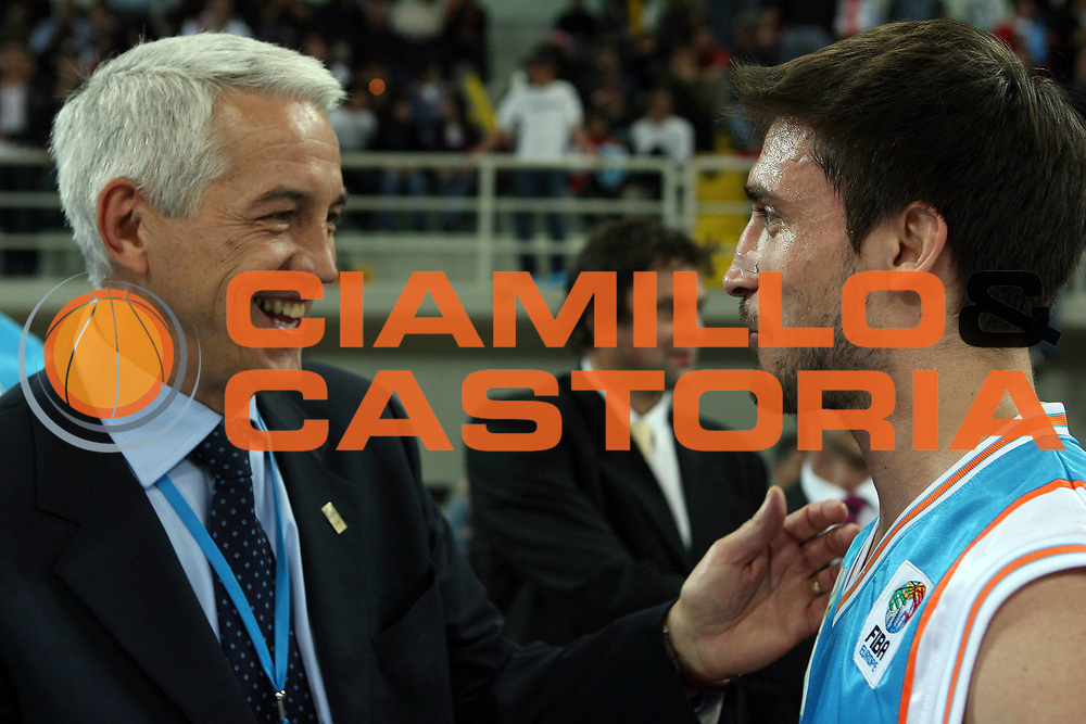 DESCRIZIONE : Cipro Cyprus Eurocup All-Star Day 2006<br /> GIOCATORE : Zanolin Pozzecco<br /> SQUADRA : Europe Europa<br /> EVENTO : Eurocup All Star Day 2006<br /> GARA : Europa Resto del Mondo Europe Rest of the world <br /> DATA : 14/03/2006<br /> CATEGORIA : curiosita<br /> SPORT : Pallacanestro<br /> AUTORE : Agenzia Ciamillo&amp;Castoria/E.Castoria<br /> Galleria : Fiba Eurocup 2005-2006<br /> Fotonotizia : Cipro Cyprus Eurocup All Star Day 2006<br /> Predefinita :