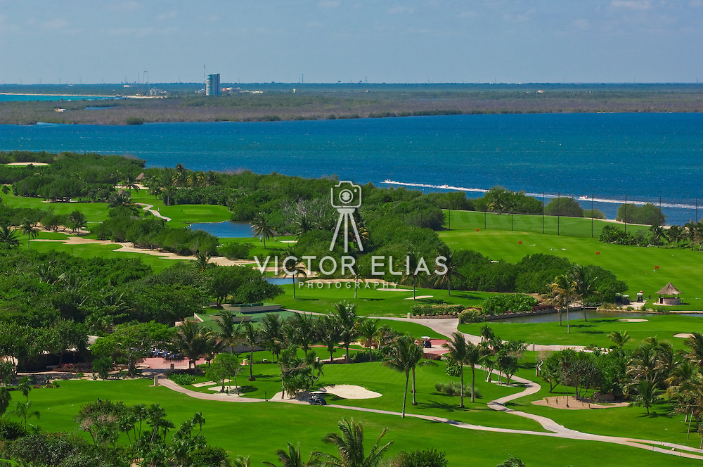 Hilton Cancun Golf & Spa Resort<br /> Photography: Victor Elias<br /> www.victoreliasphotography.com