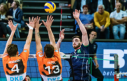17.04.2019, Olympiahalle Innsbruck, Innsbruck, AUT, VBL, Deutsche Volleyball Bundesliga, HYPO Tirol Alpenvolleys Haching vs Berlin Recycling Volleys, Halbfinale, 3. Spiel, im Bild v.l.: Jeffrey Jendryk (Berlin), Benjamin Patch (Berlin), German Johansen (Tirol) // during the German Volleyball Bundesliga (VBL) 3rd semifinal match between HYPO Tirol Alpenvolleys Haching and Berlin Recycling Volleys at the Olympiahalle Innsbruck in Innsbruck, Austria on 2019/04/17. EXPA Pictures © 2019, PhotoCredit: EXPA/ JFK