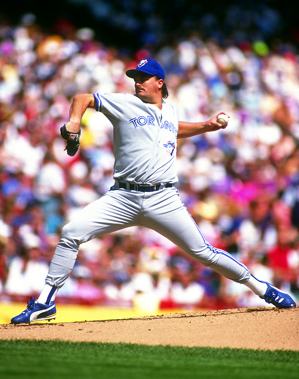 MILWAUKEE - AUGUST 20:  David Wells of the Toronto Blue Jays pitches against the Milwaukee Brewers on August 20, 1992 at County Stadium in Milwaukee, Wisconsin.  Wells allowed 13 earned runs in 4 1/3 innings as the Brewers defeated the Blue Jays 16-3. (Photo by Ron Vesely)