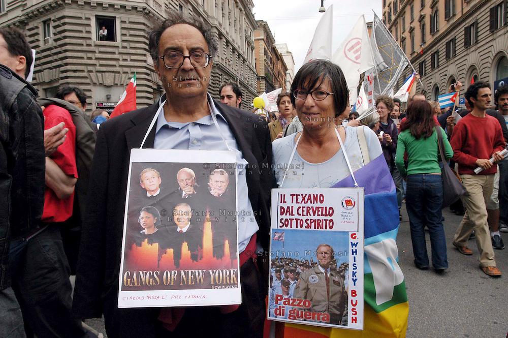 Roma 4 Giugno 2004  .Manifestazione del movimento No Global contro l'arrivo di Bush in Italia .Rome June 4, 2004.Manifestation of anti-globalization movement against the arrival of Bush in Italy ..