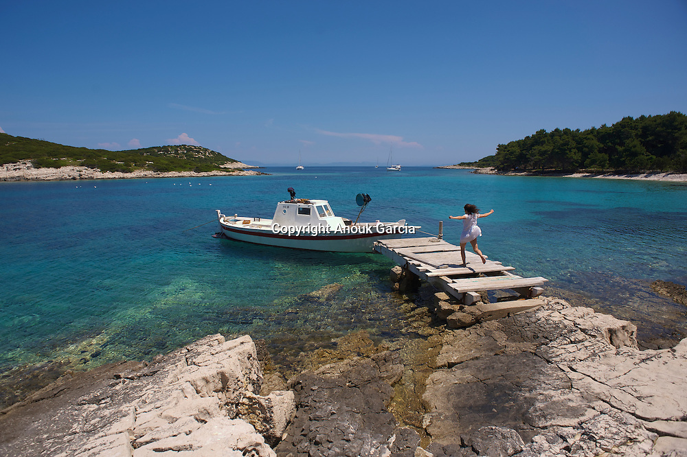 Pour les passione?s de robinsonnades et d'i?les perdues, li?lot de Saplun est la destination parfaite pour une escapade dans les eaux les plus limpides de l'Adriatique.