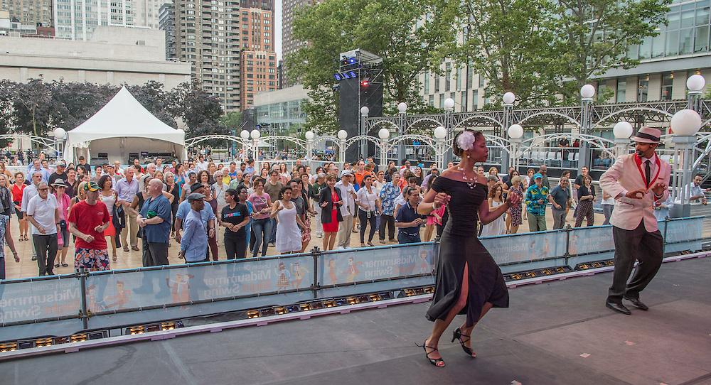 Carlos Mateu and dancers