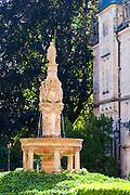 Brunnen, Schloss Bueckeburg, Weserbergland, Niedersachsen, Deutschland.| .fountain, Schloss Bueckeburg, Weserbergland, Lower Saxony, Germany.
