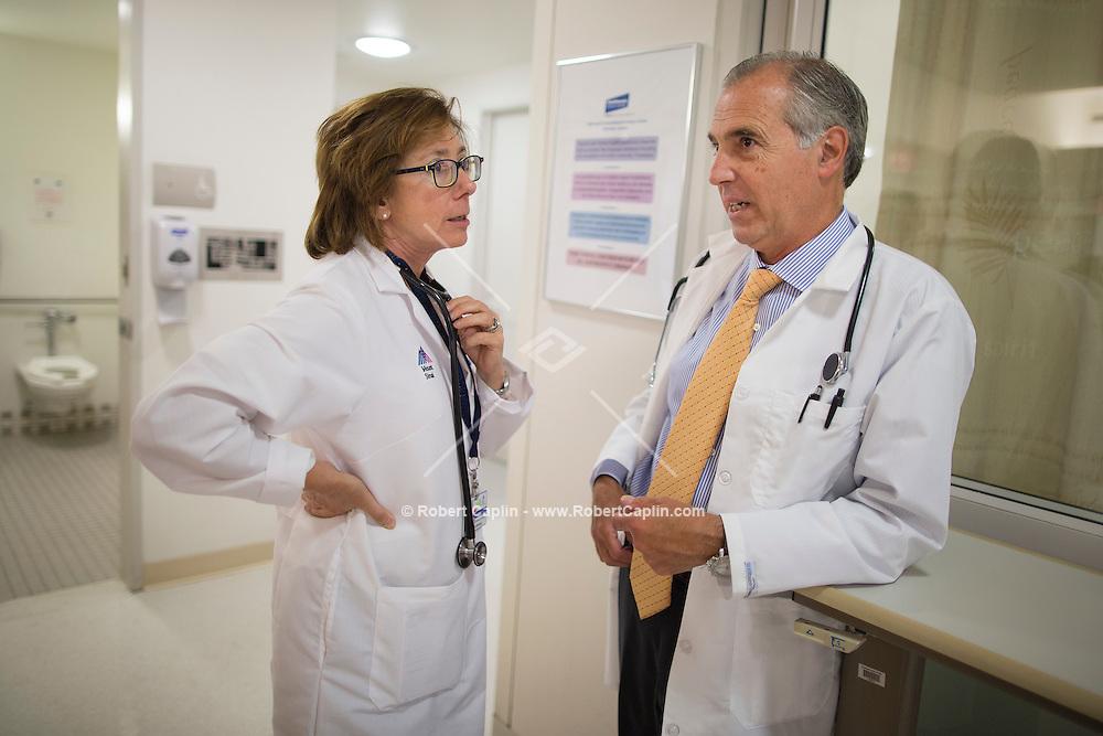 Mount Sinai Cancer <br /> <br />  Photo &copy; Robert Caplin