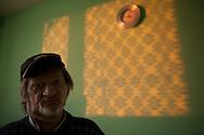 Andrzej Warzynski hat zehn Jahre lang in HAMBURG auf der Straße gelebt. Kurz nach seiner<br /> Rückkehr nach Polen wurde er schwer krank. Inzwischen ist Andrzej gestorben.