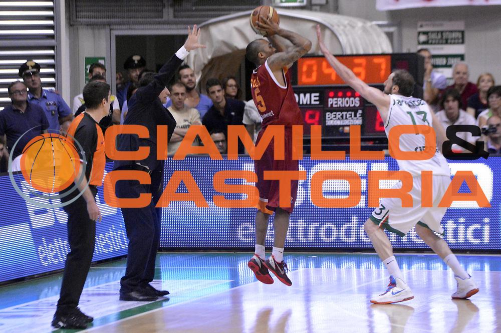 DESCRIZIONE : Roma Lega A 2012-2013 Montepaschi Siena Acea Roma playoff finale gara 4<br /> GIOCATORE : Phil Goss<br /> CATEGORIA : Tiro Three Points Controcampo Marketing<br /> SQUADRA : Acea Roma<br /> EVENTO : Campionato Lega A 2012-2013 playoff finale gara 4<br /> GARA : Montepaschi Siena Acea Roma<br /> DATA : 17/06/2013<br /> SPORT : Pallacanestro <br /> AUTORE : Agenzia Ciamillo-Castoria/GiulioCiamillo<br /> Galleria : Lega Basket A 2012-2013  <br /> Fotonotizia : Roma Lega A 2012-2013 Montepaschi Siena Acea Roma playoff finale gara 4<br /> Predefinita :
