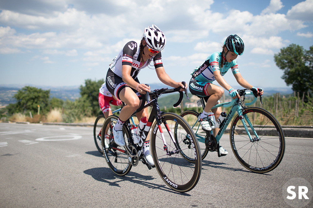 Lucinda Brand (NED) of Team Sunweb digs deep up on the climb to Montemiletto during Stage 7 of the Giro Rosa - a 141.9 km road race, between Isernia and Baronissi on July 6, 2017, in Isernia, Italy. (Photo by Balint Hamvas/Velofocus.com)