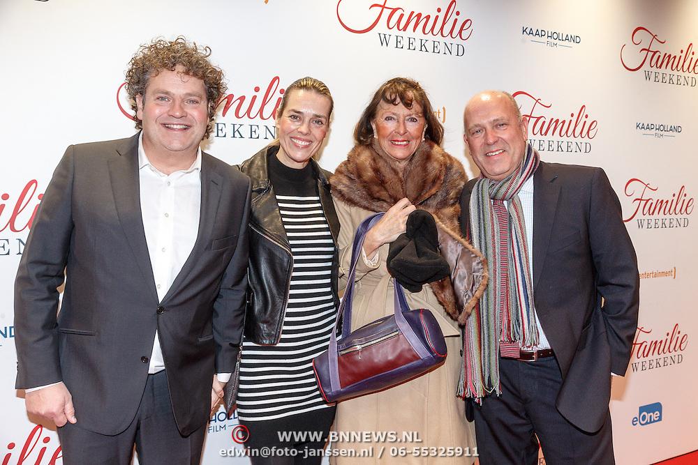 NLD/Amsterdam/20160216 - Filmpremiere Familieweekend, Dirk Zeelenberg met partner Suus en haar ouders