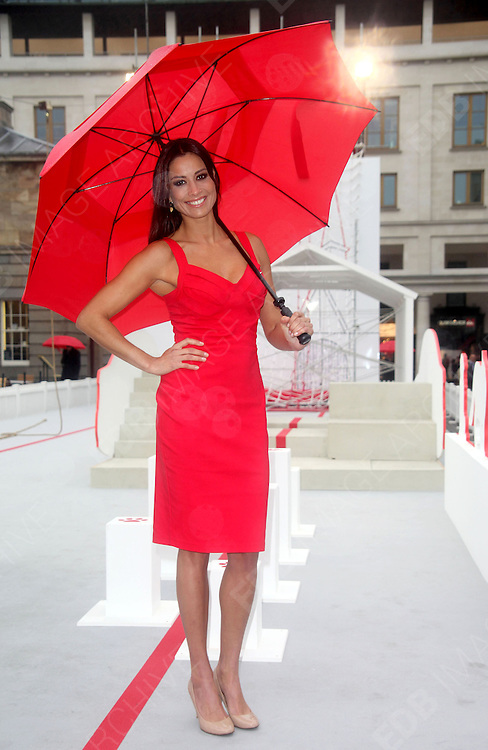 25.OCTOBER.2012. LONDON<br /> <br /> MELANIE SYKES AT THE TAKE THE DIRECT LINE LIVE EVENT, LONDON<br /> <br /> BYLINE: EDBIMAGEARCHIVE.CO.UK<br /> <br /> *THIS IMAGE IS STRICTLY FOR UK NEWSPAPERS AND MAGAZINES ONLY*<br /> *FOR WORLD WIDE SALES AND WEB USE PLEASE CONTACT EDBIMAGEARCHIVE - 0208 954 5968*