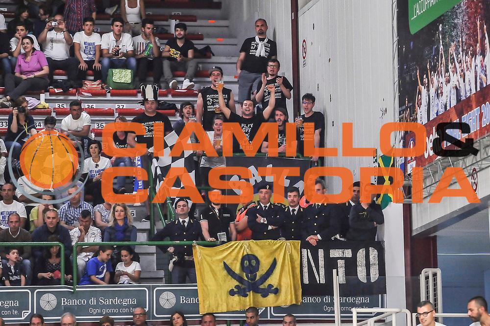 DESCRIZIONE : Campionato 2014/15 Dinamo Banco di Sardegna Sassari - Dolomiti Energia Aquila Trento Playoff Quarti di Finale Gara3<br /> GIOCATORE : Legione Bianconera Trento<br /> CATEGORIA : Ultras Tifosi Spettatori Pubblico<br /> SQUADRA : Dolomiti Energia Aquila Trento<br /> EVENTO : LegaBasket Serie A Beko 2014/2015 Playoff Quarti di Finale Gara3<br /> GARA : Dinamo Banco di Sardegna Sassari - Dolomiti Energia Aquila Trento Gara3<br /> DATA : 22/05/2015<br /> SPORT : Pallacanestro <br /> AUTORE : Agenzia Ciamillo-Castoria/L.Canu