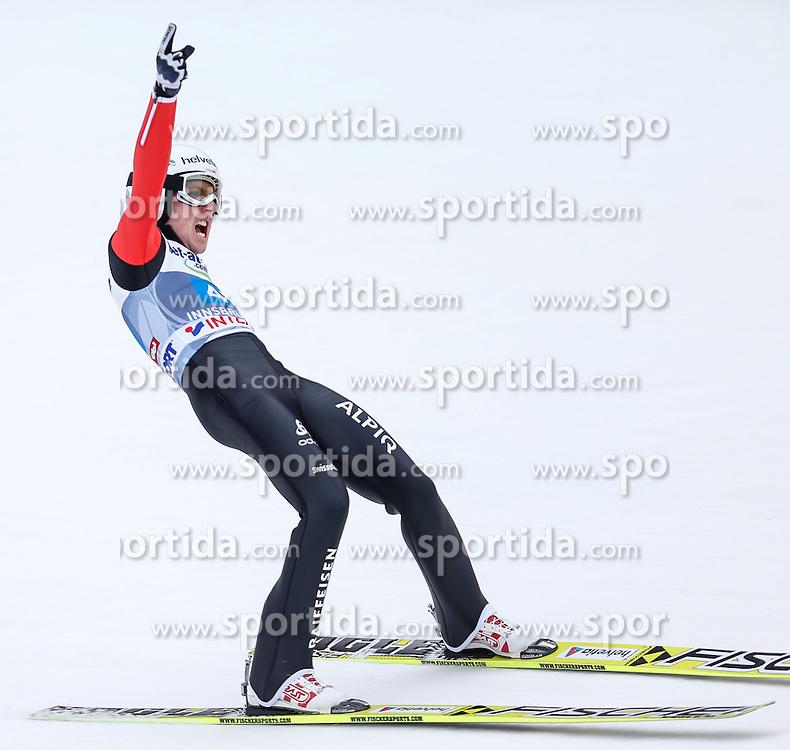 04.01.2014, Bergisel Schanze, Innsbruck, AUT, FIS Ski Sprung Weltcup, 62. Vierschanzentournee, Bewerb, im Bild Simon Ammann (SUI) // Simon Ammann of Switzerland during Competition of 62nd Four Hills Tournament of FIS Ski Jumping World Cup at the Bergisel Schanze, Innsbruck, Austria on 2014/01/04. EXPA Pictures © 2014, PhotoCredit: EXPA/ Peter Rinderer