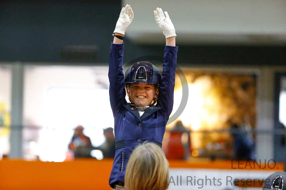 Reserve kampioen Roos de Jong en Brenda<br /> KNHS Indoorkampioenschappen 2020<br /> © DigiShots