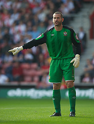 SOUTHAMPTON, WALES - Saturday, October 9, 2010: Southampton's goalkeeper Kelvin Davis in action against Tranmere Rovers during the Football League One match at the St Mary's Stadium. (Pic by David Rawcliffe/Propaganda)