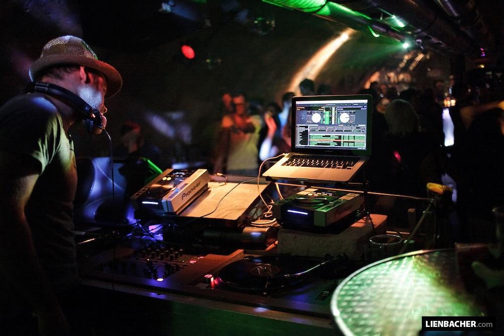 XTOPH dj'ing @Yeah!Club, Rockhouse Salzburg.