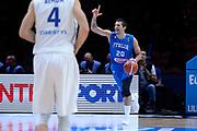 DESCRIZIONE : Lille Eurobasket 2015 Qualificazioni 5-8 posto Qualification 5-8 Game Italia Repubblica Ceca Italy Czech Republic<br /> GIOCATORE : Andrea Cinciarini<br /> CATEGORIA : palleggio schema<br /> SQUADRA : Italia Italy<br /> EVENTO : Eurobasket 2015 <br /> GARA : Italia Repubblica Ceca Italy Czech Republic<br /> DATA : 17/09/2015 <br /> SPORT : Pallacanestro <br /> AUTORE : Agenzia Ciamillo-Castoria/Max.Ceretti<br /> Galleria : Eurobasket 2015 <br /> Fotonotizia : Qualificazioni 5-8 posto Qualification 5-8 Game Italia Repubblica Ceca Italy Czech Republic