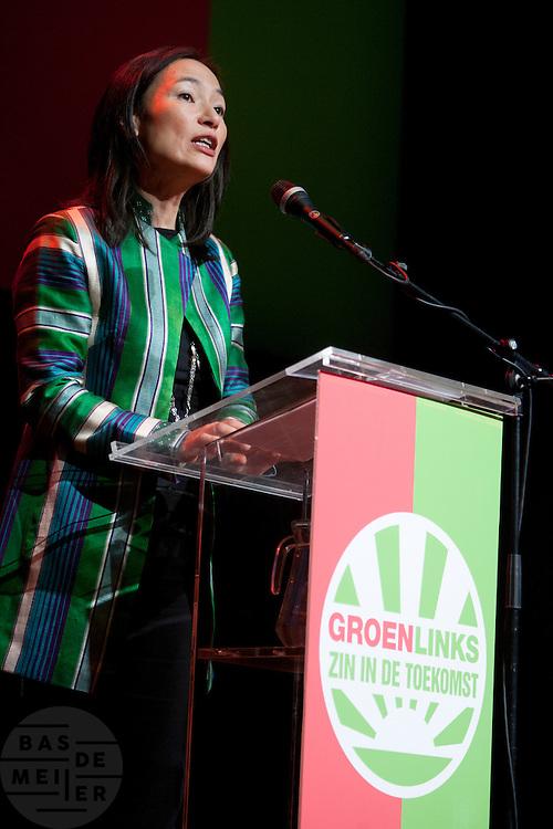 Mariko Peters spreekt tijdens het congres om de missie van Kunduz niet af te breken. In Utrecht vindt het 30e partijcongres plaats van GroenLinks. Een van de heikele punten is de missie naar Kunduz. Ook wordt een nieuwe partijvoorzitter gekozen.<br /> <br /> Mariko Peters is speeching at the convention in favor of the mission to Kunduz. The Dutch party GroenLinks (Green party) holds its 30th convention in Utrecht. One of the big issues is the mission to Kunduz. They will also elect the new chairman of the party.