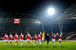 23-10-2009 VOETBAL: FC UTRECHT - RODA: UTRECHT<br /> Utrecht wint met 2-1 van Roda / Utrecht bedankt het publiek / Stadion Nieuw Galgenwaard<br /> ©2009-WWW.FOTOHOOGENDOORN.NL