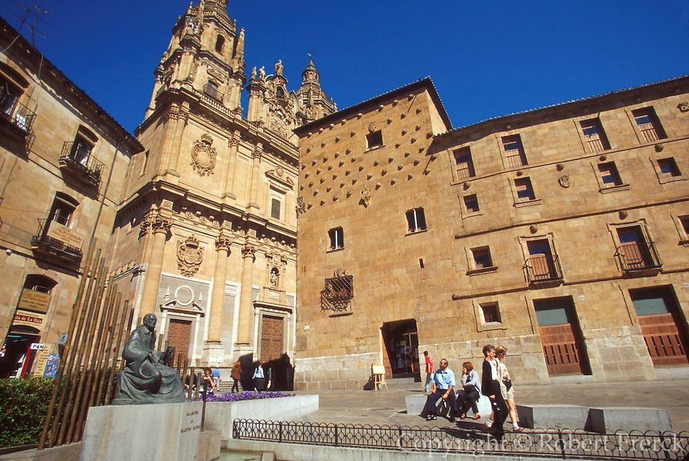 SPAIN, CASTILE, SALAMANCA Plaza de San Isidro and San Marcos
