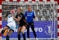 08-12-2019 JAP: Netherlands - Germany, Kumamoto<br /> First match Main Round Group1 at 24th IHF Women's Handball World Championship, Netherlands lost the first match against Germany with 23-25. / Danick Snelder #10 of Netherlands, Emily Bölk #20 of Germany